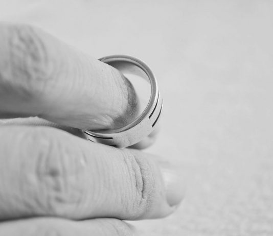 לוקחים צעד אחורה - גירושין כפתרון למחלוקות
